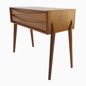 Tavolino Mid-Century in teak di Rimbert Sandholdt per Atelje Glas & Trä, anni '50