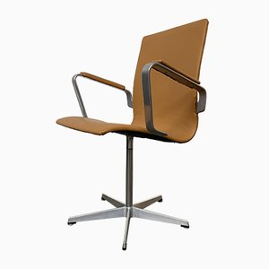 Mid-Century Oxford Desk Chair in Cognac Leather by Arne Jacobsen for Fritz Hansen, 1980s.