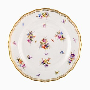 Meissen Plate in Hand-Painted Porcelain with Flowers and Gold Edge