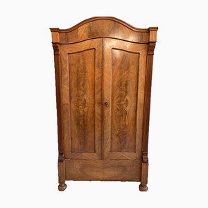 Antiker Kleiderschrank aus Massivholz mit 3 Ablagen