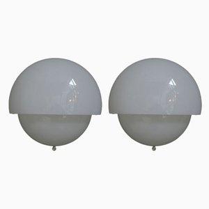 Italienische Mania Space Age Wandlampen aus Glas von Vico Magistretti für Artemide, 1970er, 2er Set