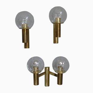 Minimalistische Messing Wandlampen mit Kugelleuchten aus Glas von OTT International, 1960er, 3er Set