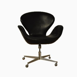 Swan Chair by Arne Jacobsen for Fritz Hansen, 1960s