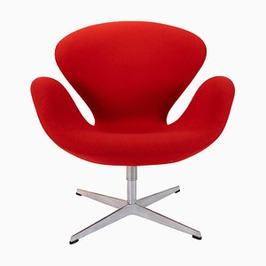 Red Model 3320 Swan Chair by Arne Jacobsen for Fritz Hansen, 1980s
