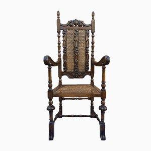 Französischer geschnitzter Louis XVI Stil Walnuss Armlehnstuhl mit Sitzen aus Schilfrohr