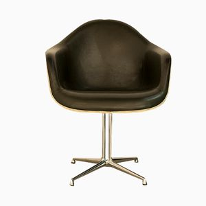 chair by Charles and Ray Eames for Herman Miller