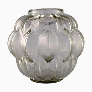 Nivernais Vase in Art Glass Model 1005 by René Lalique, 1927