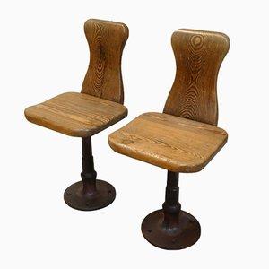 Kleine Beistellstühle aus Pinienholz & Gusseisen, 1930er, 2er Set