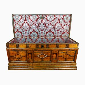 Spanish Chest In Solid Walnut, 17th-Century