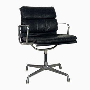 Schwarzer Vintage Leder Soft Pad Group Stuhl von Charles & Ray Eames für Herman Miller, 1970er