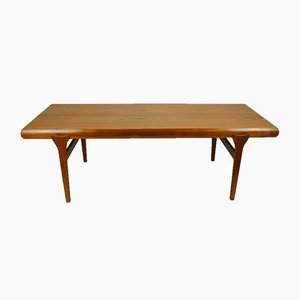 Mid-Century Danish Teak Extendable Coffee Table by Johannes Andersen for CFC Silkeborg