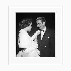 Taylor und Clift Archivdruck in Weiß von Bettmann