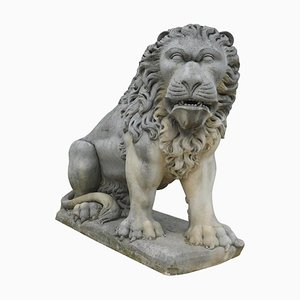 Large 19th Century Italian Lion Sculpture in Vicenza Stone