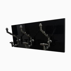 Antiker Kleiderhaken aus Gusseisen & Kunstbambus auf neuem schwarzen Holzträger