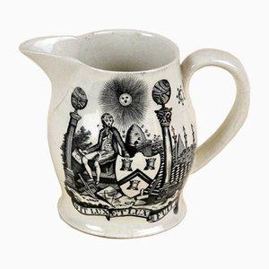 Masonic Creamware Krug mit schwarzen Transferdrucken von Freimaurer Symbolen, 1820er