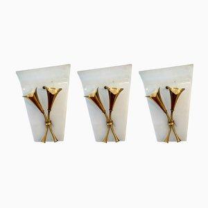 Geschwungene Italienische Glas und Messing Wandlampen, 1950er, 3er Set