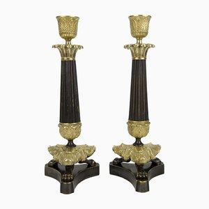Französische Kerzenständer aus Bronze und Messing im Empire Stil mit Dreifuß, 2er Set