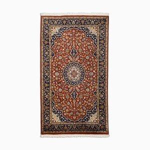 Indischer floraler dunkelbrauner orientalischer Teppich mit Borde & Medaillon, 1980er