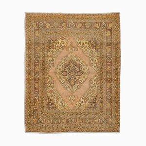 Antiker orientalischer hellbrauner Teppich mit Border und Medaillon