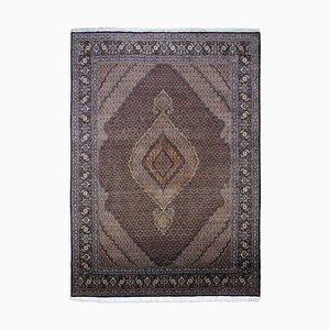 Schwarzer geometrischer orientalischer Teppich mit Border