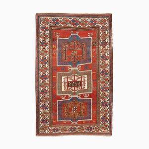 Antiker Geometrischer Dunkelroter Kazak Teppich mit Border und Diamanten