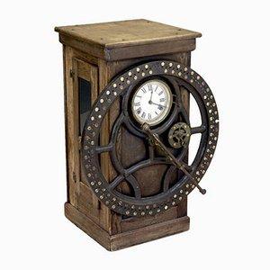 Antike mechanische Uhr