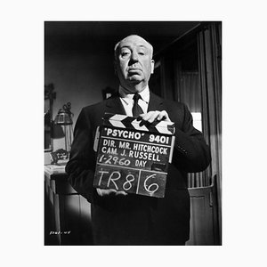 Alfred Hitchcock on the Set of Psycho Silver Gelatin Resin Print Gerahmt in Schwarz