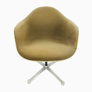 Fiberglass Swivel Chair by Charles & Ray Eames for Herman Miller, 1960s