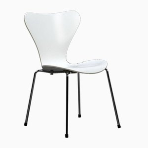 White Series 7 3107 Stacking Chair by Arne Jacobsen for Fritz Hansen, 1990s