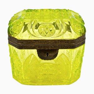 Antike Schachtel aus Gelbem Kristallglas