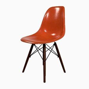 Sedia da pranzo DSW corallo di Charles & Ray Eames per Herman Miller, anni '70