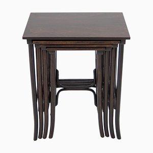 Tavolini a incastro Art Nouveau modello 10 di Thonet, inizio XX secolo, set di 4
