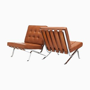 Cognacfarbene Rh301 Beistellstühle von Robert Haussmann, 2er Set