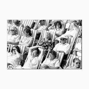 Bandstand I, Eastbourne - Schwarz-Weiß Vintage Portrait Fotografie 1985