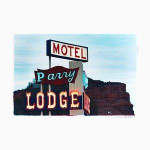 Parry Lodge, Kanab - Americana Neon Sign Contemporary Farbfotografie 2001