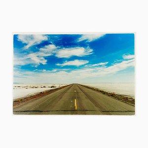 Approach Road To Bonneville Salt Flats, Bonneville, Utah - Photographie Couleur Paysage 2003