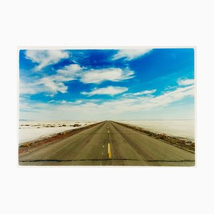 Camino de Approach Road a Bonneville Salt Flats, Bonneville, Utah - Landscape Color Photo 2003