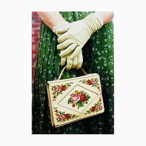 Guantes y bolso de mano, Goodwood, Chichester - Feminine Fashion, Color Photography 2009