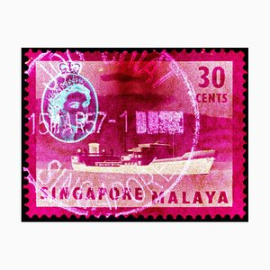Singapore Briefmarkensammlung, 30 Cent Qeii Öltanker in Pink - Pop Art Color Photo 2018