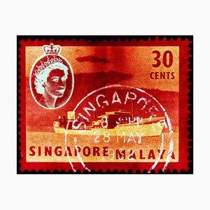 Singapur Briefmarkensammlung, 30 Cent Qeii Öltanker in Rot - Pop Art Color Photo 2018