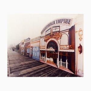 Boardwalk Empire Im Nebel, Atlantic City, New Jersey - Amerikanisches Farbfoto 2013