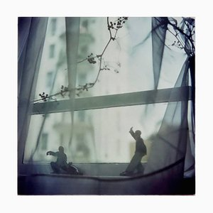 Richard Heeps, Snake Dips Down, Hongkong, Asiatischer Farbiger Gegenwartsfotografiedruck, 1990