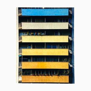 Regenbogen-Wohnungen, Mailand, konzeptionelle architektonische Farbfotografie 2018