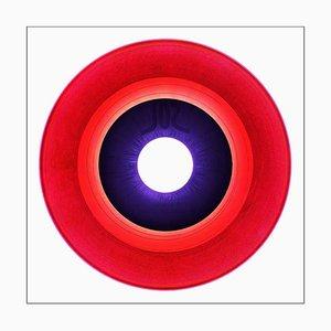 B-Seite Vinyl-Sammlung, B-Seite, Cerise, konzeptionelle Pop-Art-Farbfotografie 2016