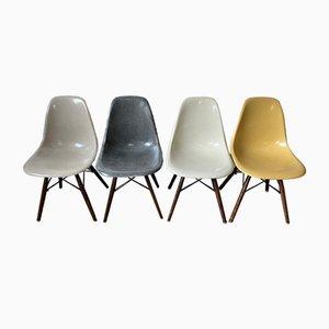 Vintage Mid-Century Vintage Esszimmerstühle in Grauem Grau von Charles & Ray Eames für Herman Miller, 4er Set