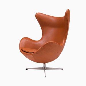 Chaise Egg en Cuir par Arne Jacobsen, 1963