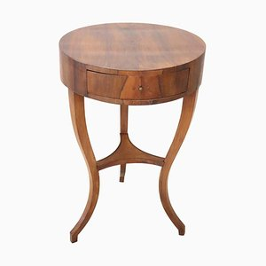 Antique Walnut Round Side Table, 1790s