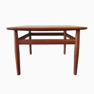 Mid-Century Curved Square Coffee Table by Grete Jalk for Glostrup