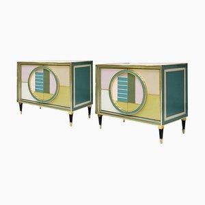 Italienische Sideboards aus Messing und farbigem Glas aus der Mitte des Jahrhunderts, 2er-Set