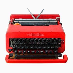 Macchina da scrivere Valentine rossa di Ettore Sottsass per Olivetti Synthesis, anni '70